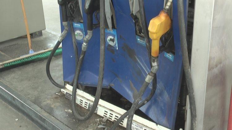 MARCOS JUAREZ: Un automóvil embistió un surtidor de la YPF Panamericana