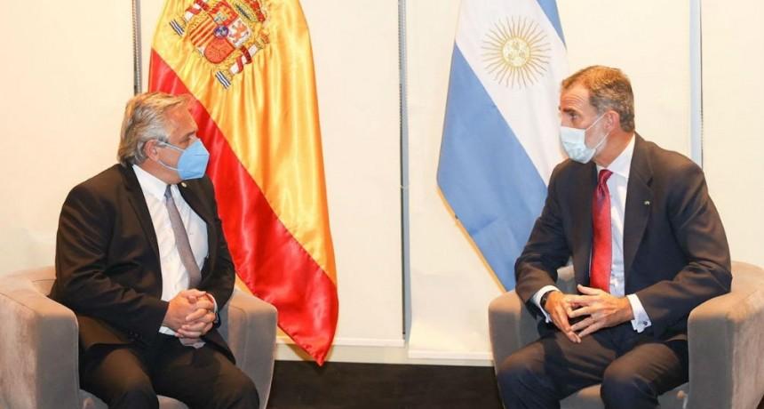 Fernández y Felipe VI se reunieron en Bolivia