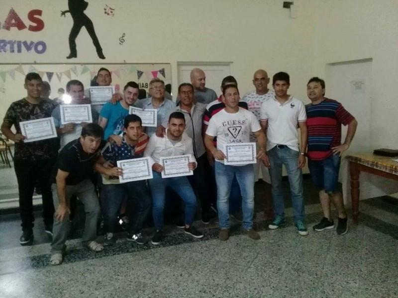 ANOCHE EN EL CLUB SPORTIVO, AIAF CERRÓ EL AÑO Y SE HIZO ENTREGA DE DIPLOMAS.