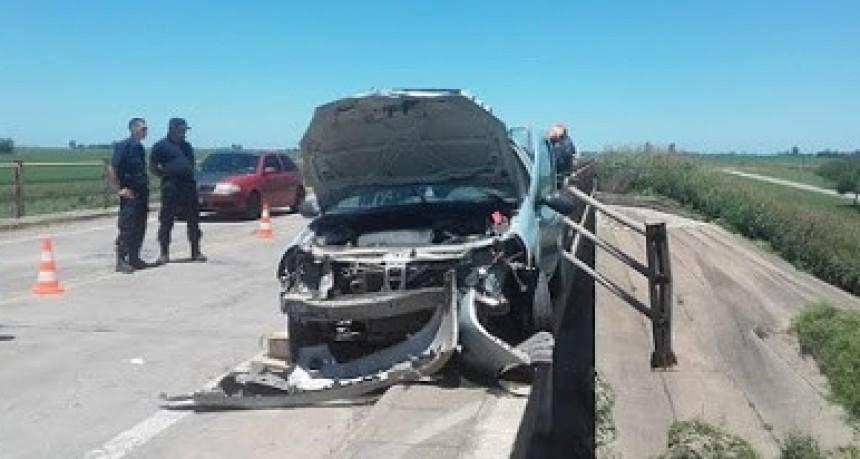 Despiste de un automóvil en puente de Ruta 178